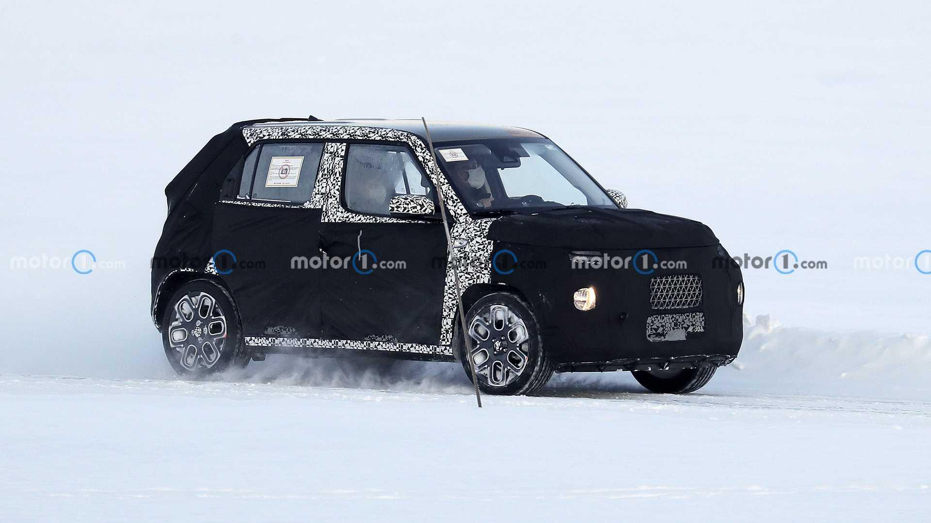 Hyundai presenterà un nuovo crossover piccolo, ecco le foto spia
