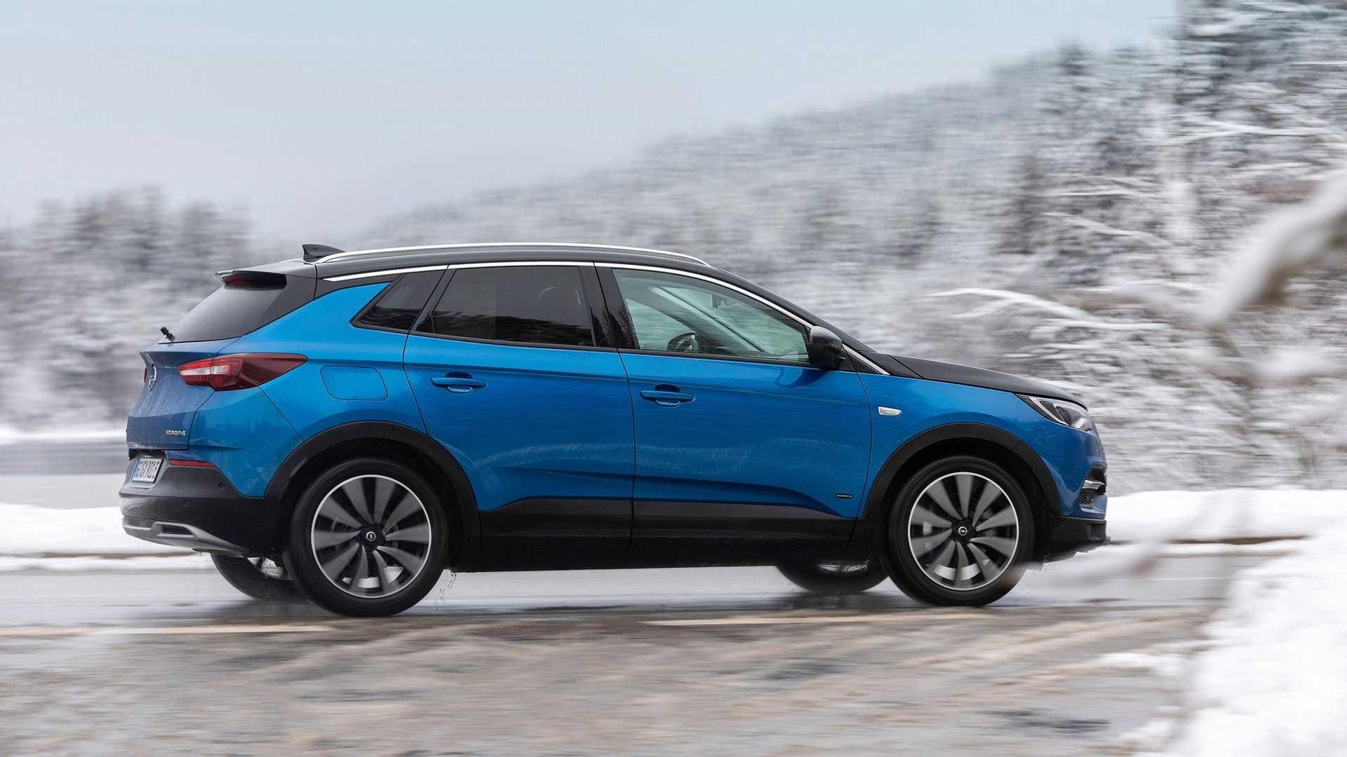 Opel Grandland X, nuovi allestimenti per il SUV tedesco