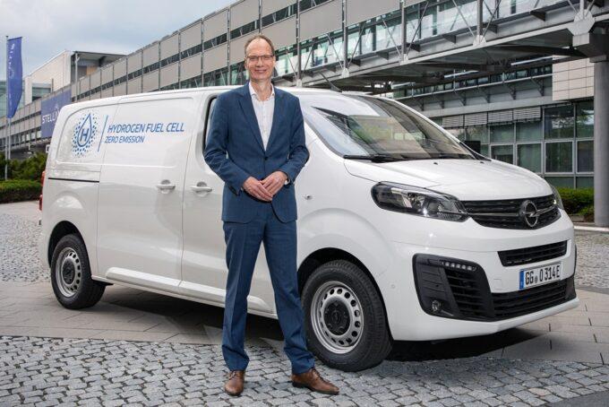Opel Vivaro-e Hydrogen, nuova versione a idrogeno del veicolo commerciale del Fulmine: prezzo, foto, gamma, FCEV