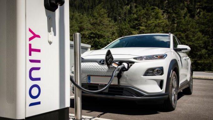 Hyundai, i pacchetti Premium e Lite offrono tariffe agevolate per la ricarica nelle colonnine della rete Ionity