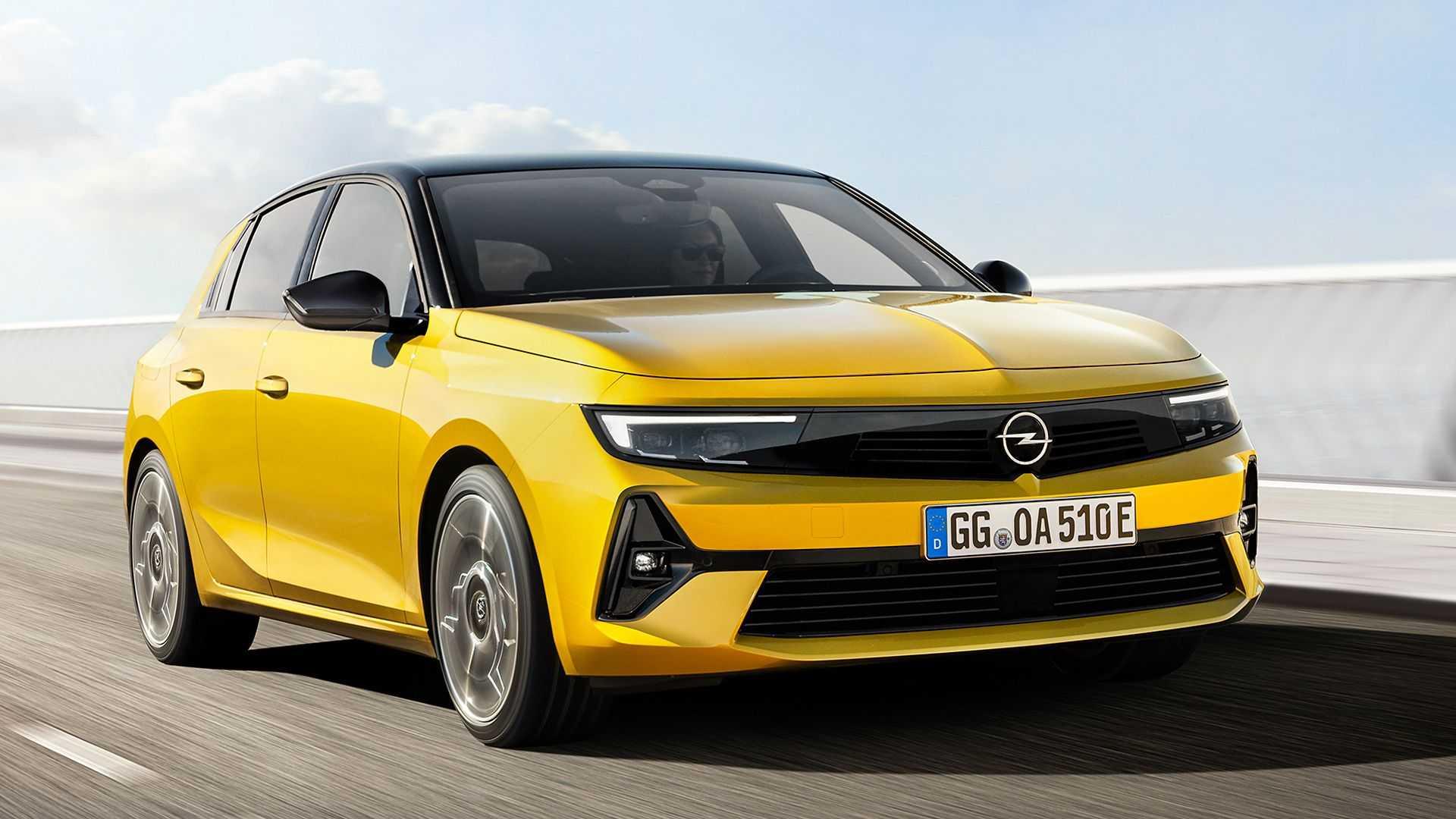 Nuova Opel Astra 2021, interni, motori, plug-in, tecnologia