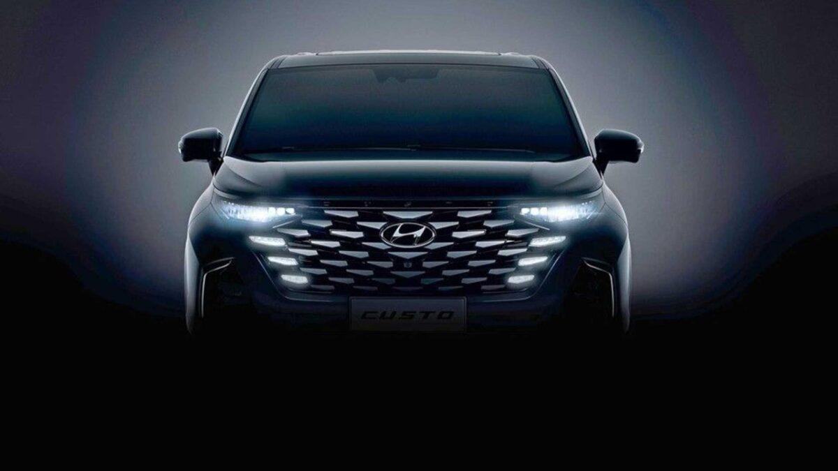 Hyundai Custo 2022: le prime immagini del minivan per la Cina [TEASER]