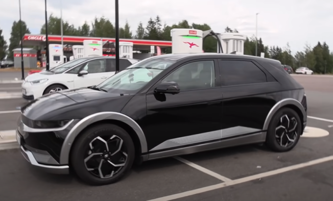 Hyundai Ioniq 5, la prova sul livello di autonomia reale: test, video, prezzo, 2021