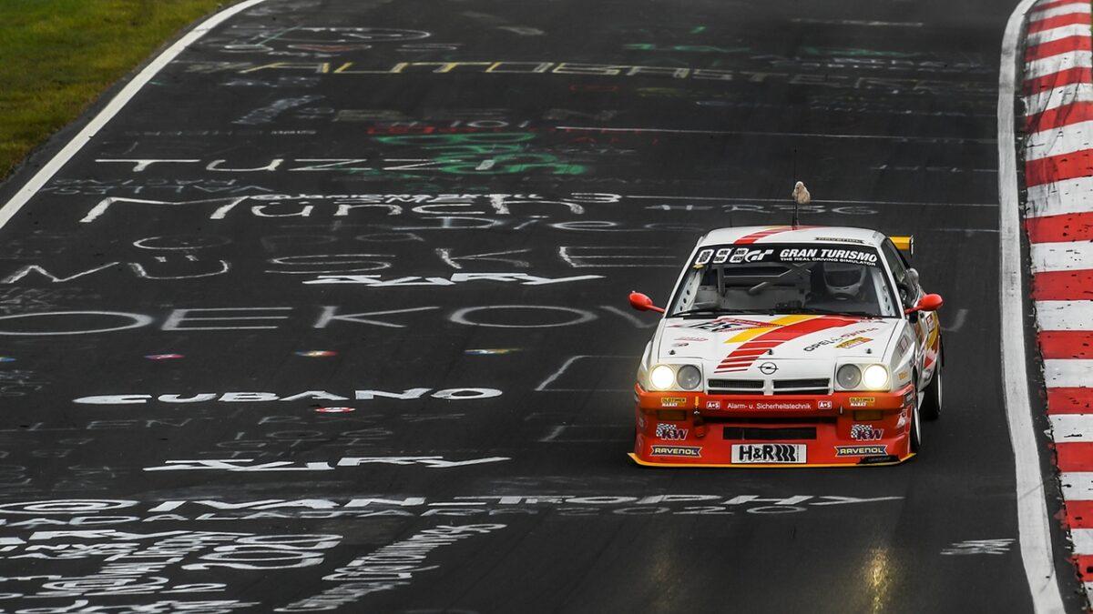Opel Manta da competizione alla 24 Ore del Nurburgring