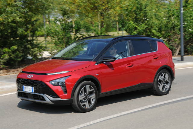Prova Hyundai Bayon scheda tecnica opinioni e dimensioni 1.0 T-GDI XClass