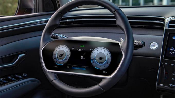 Hyundai brevetta un nuovo volante con display del quadro strumenti integrato al centro: tecnologia, brevetti, strumentazione
